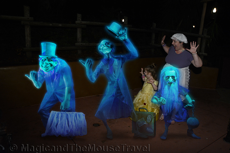 hitchhiking-ghosts-matmtravel-boo